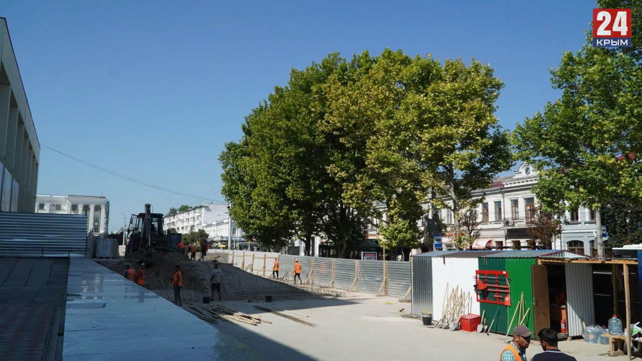 Реконструкция площади Ленина в Симферополе: что сейчас происходит за высоким забором