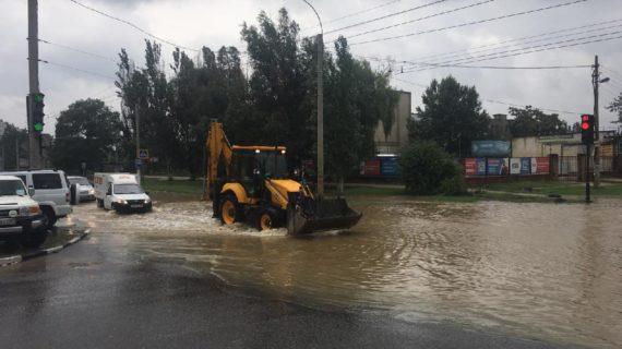 В Керчи продолжают расчищать русла рек. Этим никто не занимался 30-40 лет