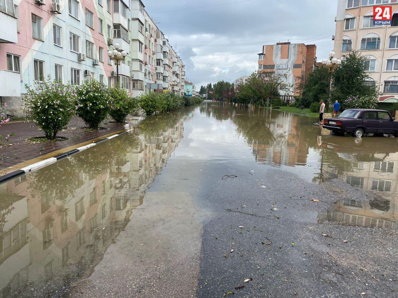 Особо пострадавшим от потопа крымчанам выплатят компенсации, которых хватит на покупку нового жилья