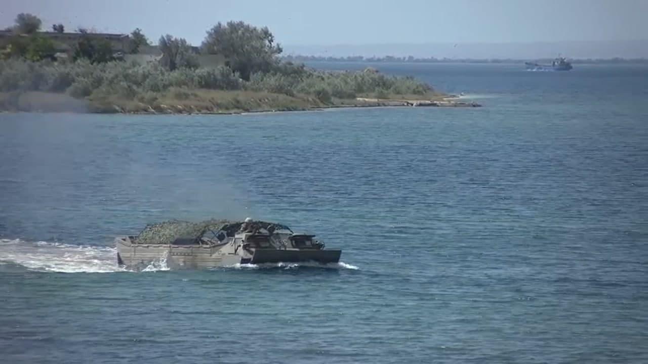 Военные в Крыму тренировались устанавливать минно-взрывные заграждения