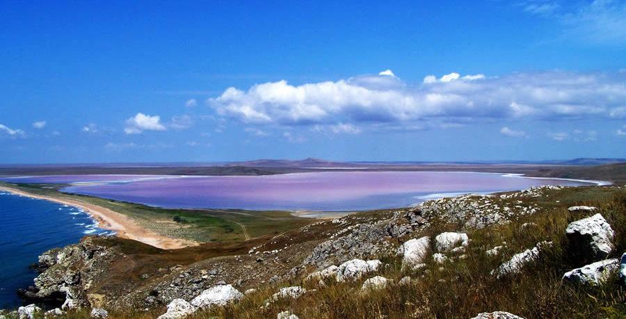Крымское озеро вошло в ТОП-3 самых красивых в России