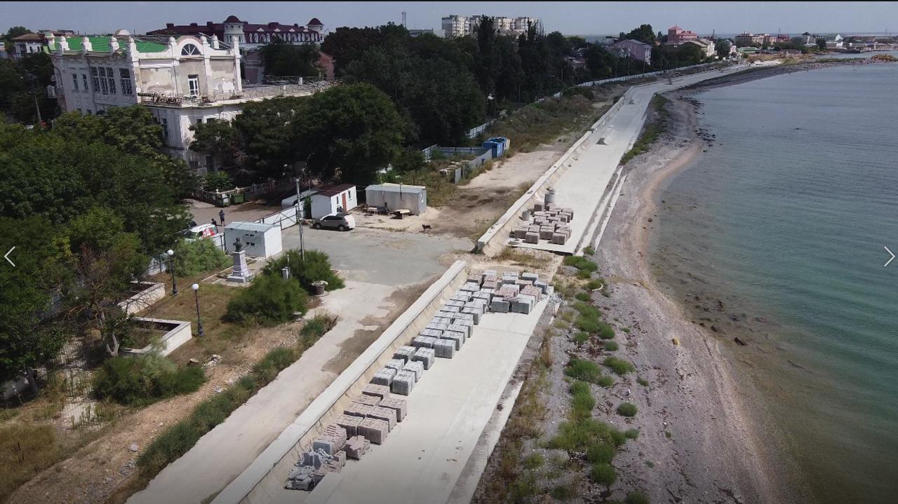Реконструкция набережной Терешковой в Евпатории: что мешает возобновить работы и достроить объект