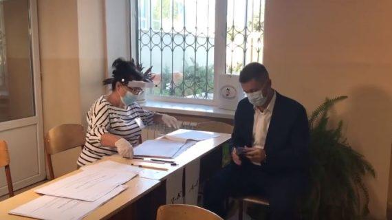 Глава администрации Симферополя проголосовал на выборах депутатов Госдумы