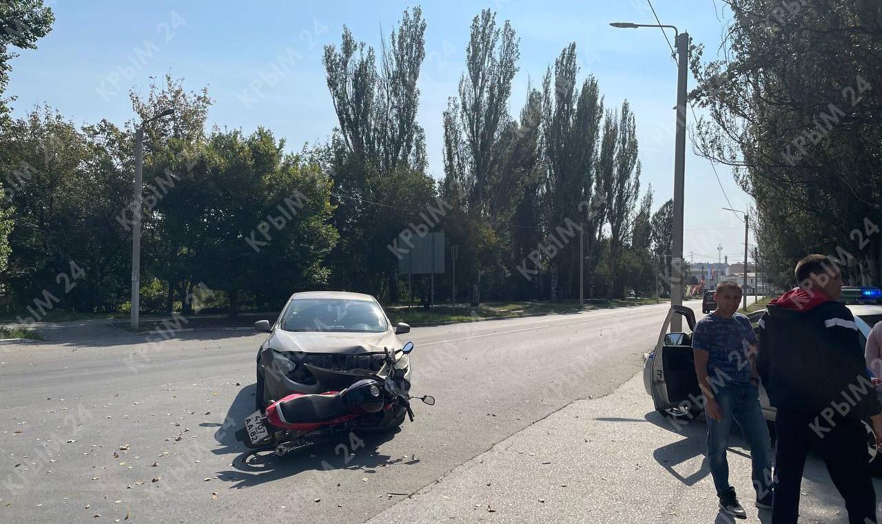 В Симферополе произошло ДТП с участием мотоциклиста