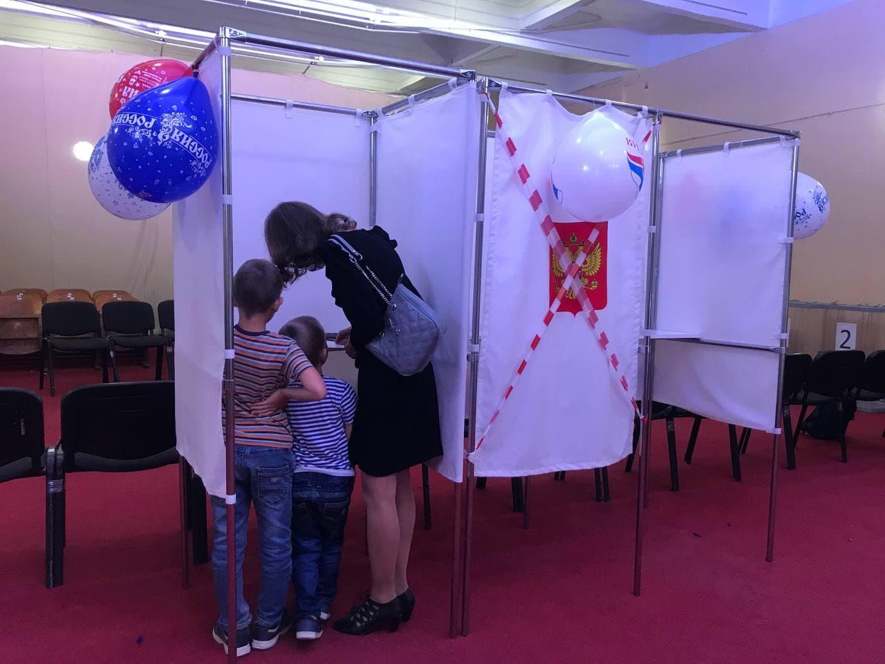 Высокая явка, пять партий и полмиллиона наблюдателей: Как прошли выборы в России и в Крыму