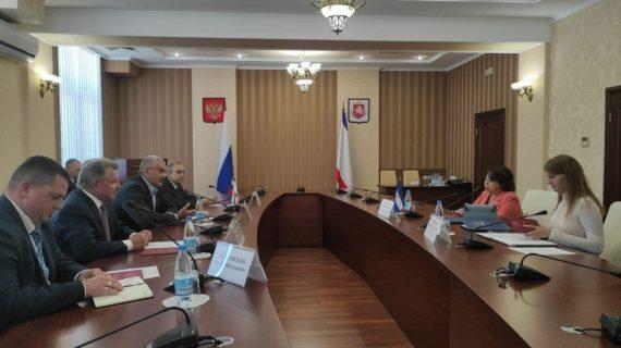 Глава Крыма встретился с послом из Никарагуа