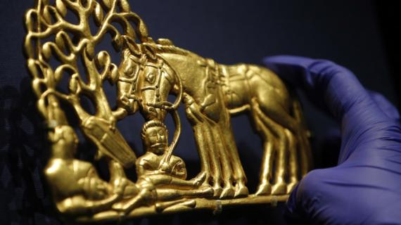 «Пусти козла в огород»: Глава Крыма прокомментировал передачу «скифского золота» Украине