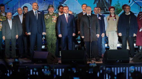 Глава Крыма поздравил Путина с днём рождения